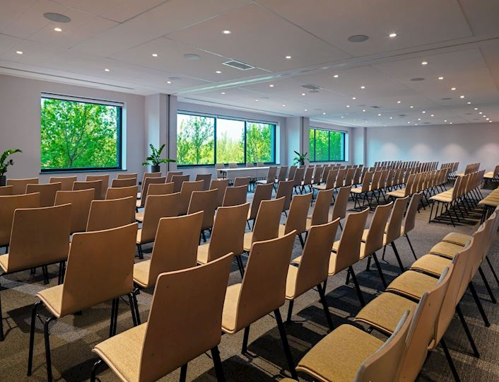 Nasze sale konferencyjne mogą być dowolnie zaaranżowane do twoich potrzeb